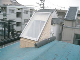 角度を計算して窓を取り付ける